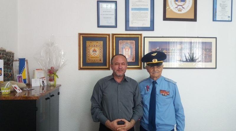 Директор Дома здравља угостио Владу Зрнића, пуковника руске авијације