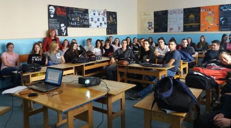 Предавање у Гимнмазији Градишка поводом Свјетског дана здравља