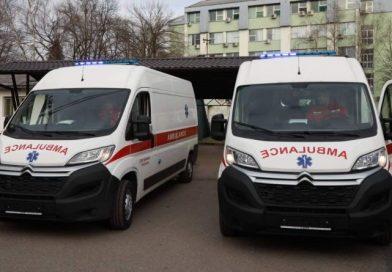 """ЈЗУ """"Дом здравља"""" Градишка добио два нова санитетска возила"""