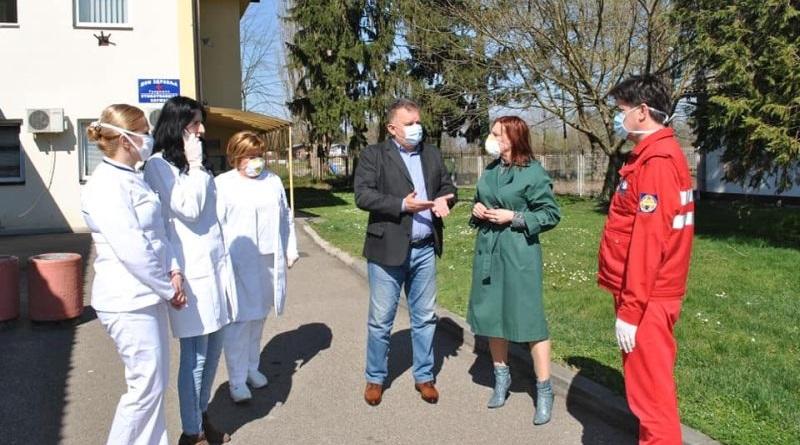 Градоначелник Зоран Аџић са сарадницима посјетио Дом здравља и Болницу Градишка
